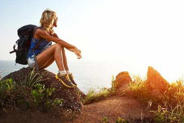 9 summer hiking backpack essentials